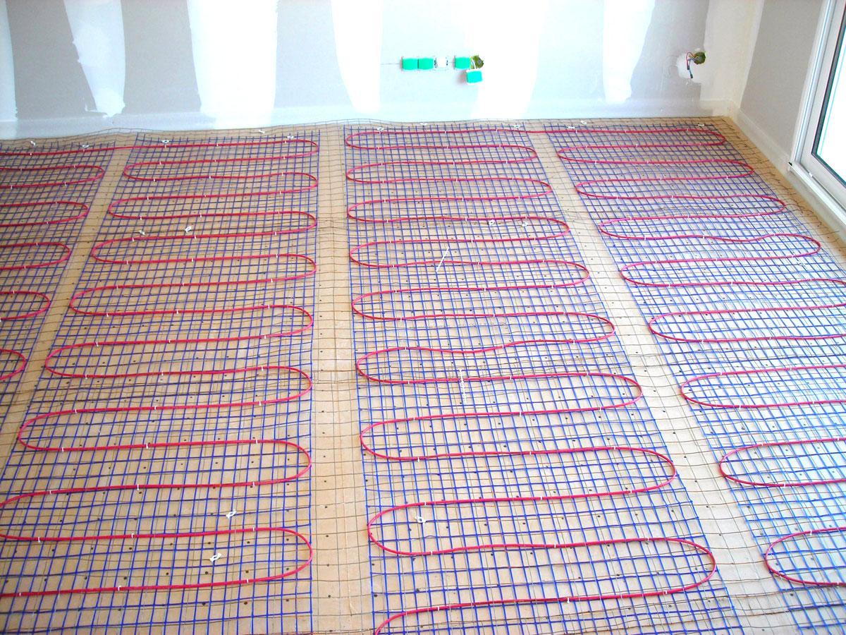 chauffage au sol electrique plancher chauffant carbone et carrelage youtube with chauffage au. Black Bedroom Furniture Sets. Home Design Ideas